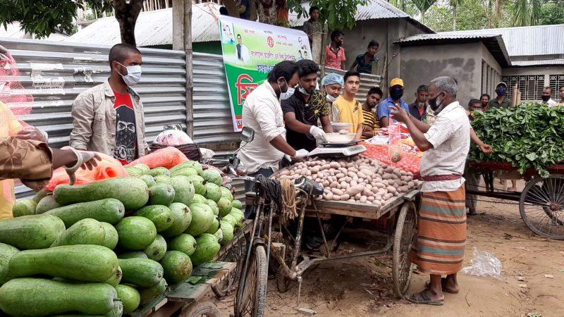 দুর্গাপুরে অসহায়দের মাঝে স্ববজি বিতরণ করলো ছাত্রলীগ